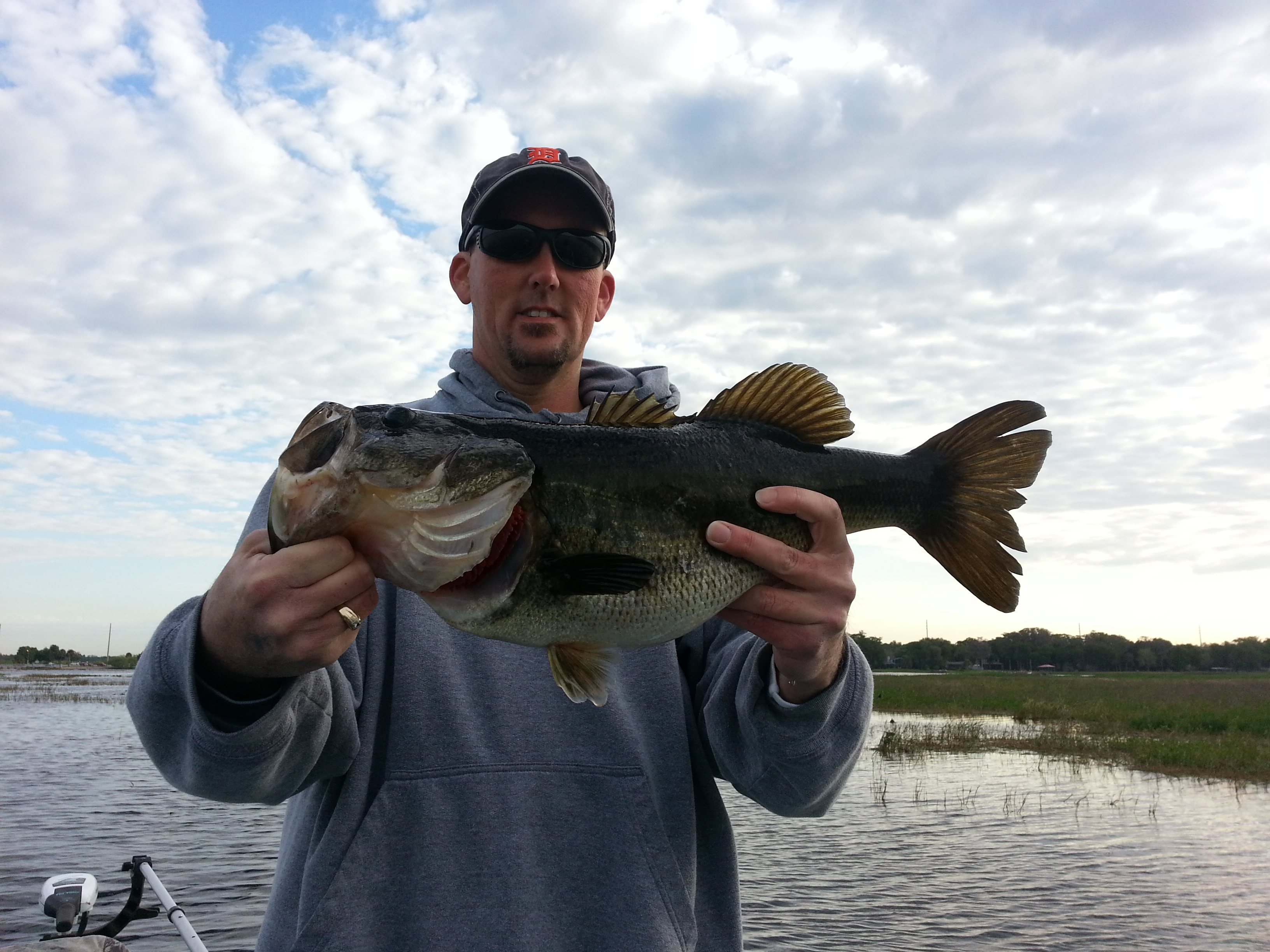 Bass fishing lake toho central florida bass guides for Lake kissimmee fishing report