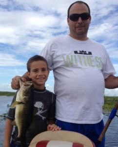 Lake Okeechobee bass fishing  888-629-2277