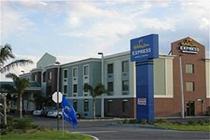 Holiday Inn Clewiston - okeechobee fishing trips