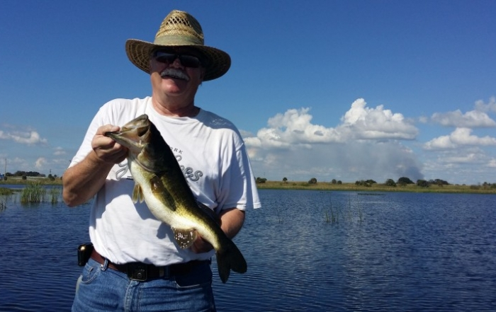 Day out on lake okeechobee with tom and deb for Lake kissimmee fishing report